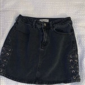 black denim skirt!